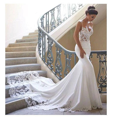 Affordable Spaghetti Strap White Wedding Dress Lace Appliques Chapel Train Bridal Gowns On Sale_1