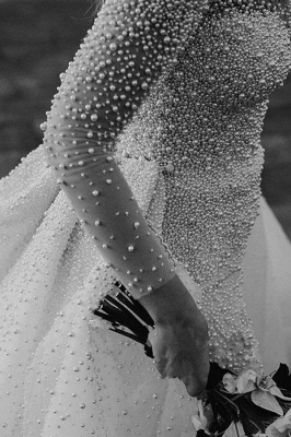 Luxury Ivory V-Neck Wedding Dress Long Sleeves Despatchable Train Bridal Gowns with Fully coverd Pearls_5