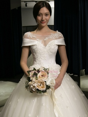 Puffy Lace-Applique Wedding Dresses  | Scoop Cap-Sleeves Exquisite Gowns_1