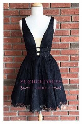 Sleeveless Sexy Short Lace Black Deep-V-Neck Homecoming Dresses_3