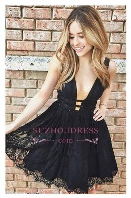 Sleeveless Sexy Short Lace Black Deep-V-Neck Homecoming Dresses_1