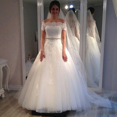 Off-the-shoulder Sweep-Train Short-Sleeves Elegant A-line Lace Wedding Dress_3