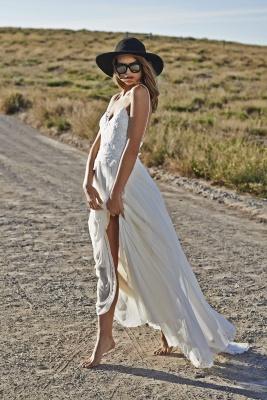 Spaghetti Straps Beach Wedding Dresses  V-neck Open Back Chiffon Bridal Gown BO7255_3