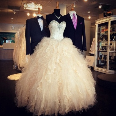 Sweetheart Crystal Attractive Wedding Dresses Floor Length Tiered Glorious  Bridal Gowns_2