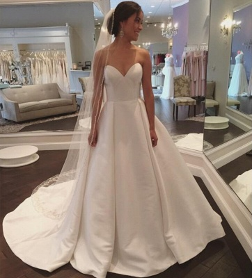 Sleeveless Simple A-line Sweep-Train White Sweetheart Wedding Dress_3