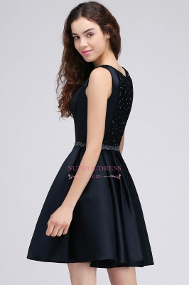 Sequare A-Line Black Beadings Short Sleeveless Homecoming Dresses_3