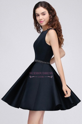Sequare A-Line Black Beadings Short Sleeveless Homecoming Dresses_4