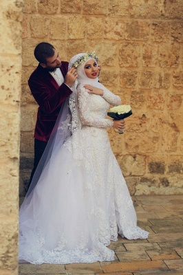 Latest White Lace Long Sleeve Arabic Bridal Dresses Formal Sweep Train Arab Wedding Dress_3