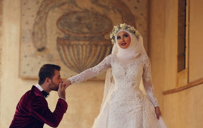 Latest White Lace Long Sleeve Arabic Bridal Dresses Formal Sweep Train Arab Wedding Dress_4