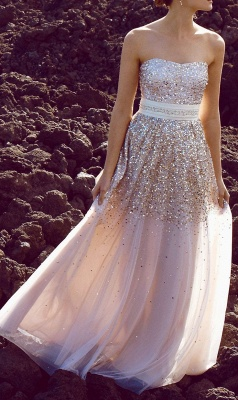 Prom Dresses  Sweetheart Sleeveless A Line Sequins Sexy Floor Length Sash Tulle Evening Gowns_1