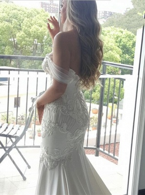 Delicate Lace-Appliques Mermaid Off-the-shoulder Train Wedding Dress_4