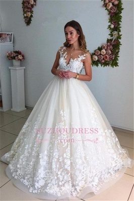 Appliques Lace Floor Length Ball Gown  Backless Court-Trian Wedding Dress_3