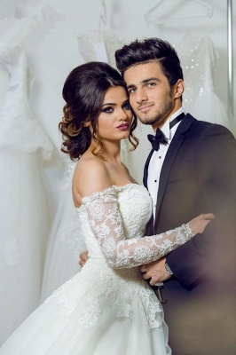 Sexy White Lace Long Sleeve Wedding Dress  Ball Gown Bridal Dress_3