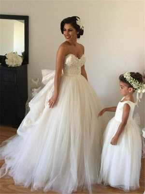 Off-the-shoulder Wedding Dress Puffy Tulle Ball Gown Bridal Dress with Lace_3