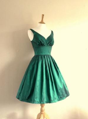 Cute Empire Taffeta Green Short Hoemcoming Dress V-Neck Spaghetti Strap Plus Size Cocktail Dresses_2