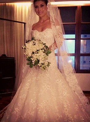 Beautiful White Lace Off Shoulder Long Sleeve Wedding Dresses Court Train Elegant Fitted Formal Bridal Gowns_1