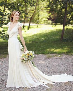 New Arrival Deep V-Neck Chiffon Bridal Gown A-Line Short Sleeve Ruffles Flower Wedding Dress_2