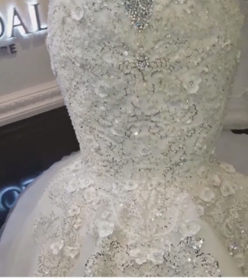 Gorgeous Off-the-Shoulder Lace Appliques Wedding Dresses Crystals Mermaid Bridal Gowns Online_5