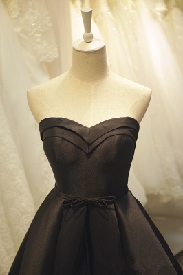 Black Sweetheart Knee Length Homecoming Dress Cute Simple Lace-Up Short Cocktail Dresses_5