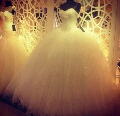 Lovely Sweetheart Tulle Wedding Ball Gowns Beads Princess Bridal Dresses with Petticoat_4