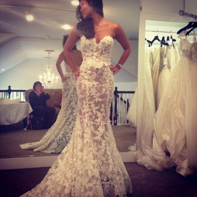 A-line Lace Elegant Sweetheart White Wedding Dresses_3