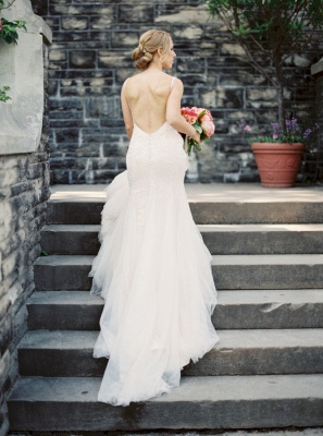Sexy Mermaid V-Neck Tulle Bridal Dress with Beadings Backless Sweep Train Wedding Gowns_2